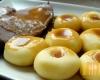 Pieczona karkówka z kluskami śląskimi.