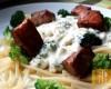 Łosoś z sosem brokułowym