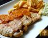 Schab z sosem paprykowym i frytkami